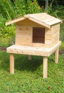 Large Insulated Cedar Cat House with Raised Lounging Deck