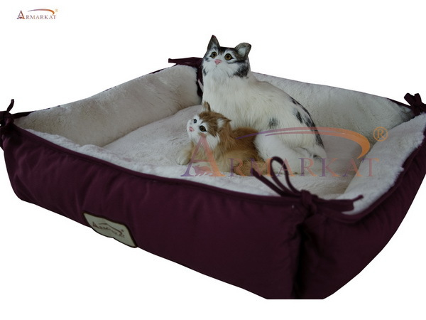 Armarkat Cat Bed C06HJH/MB